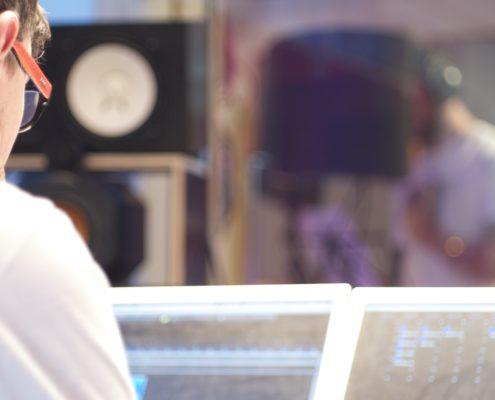KK-Studios Regie NS-10 Sänger