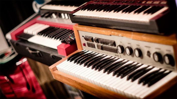Vintage Synths & Organs