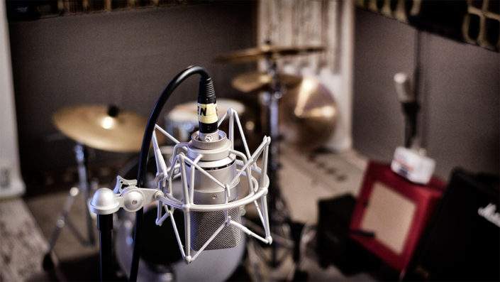 Neumann TLM103 Room Sound Recording