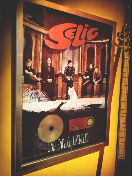 Goldene Schallplatte Studio Kraftclub Selig
